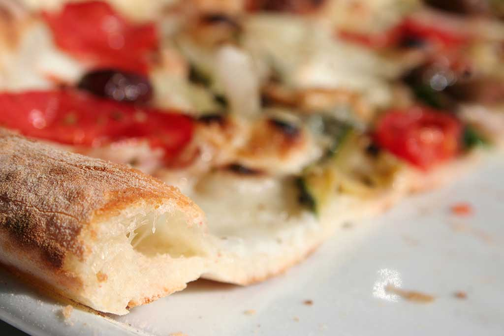La crosta della pizza ben lievitata